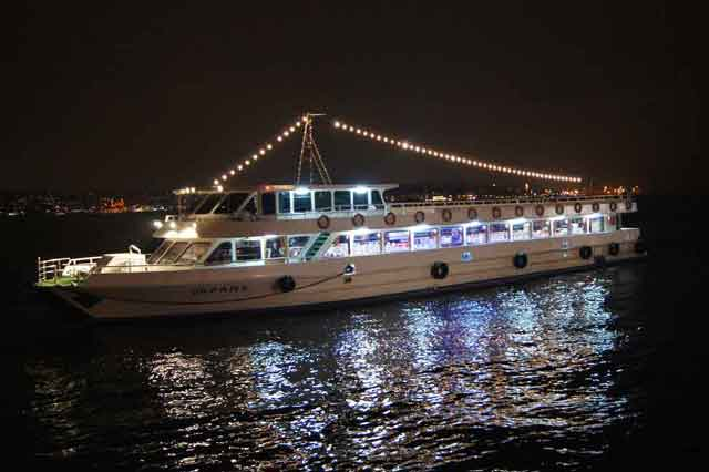 bosphorus-dinner-cruise-1